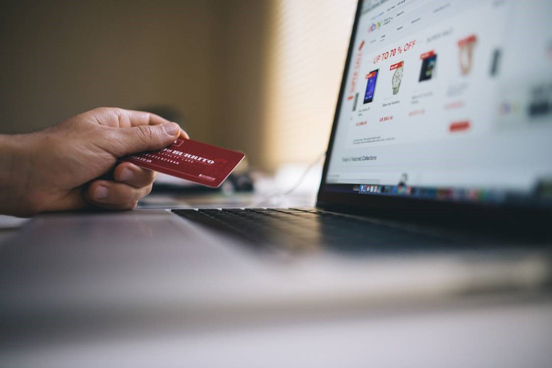 Managing an online presence through E-commerce website